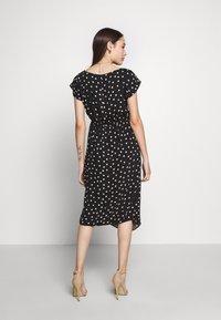 Dorothy Perkins Petite - SPOT DRESS - Denní šaty - black - 3