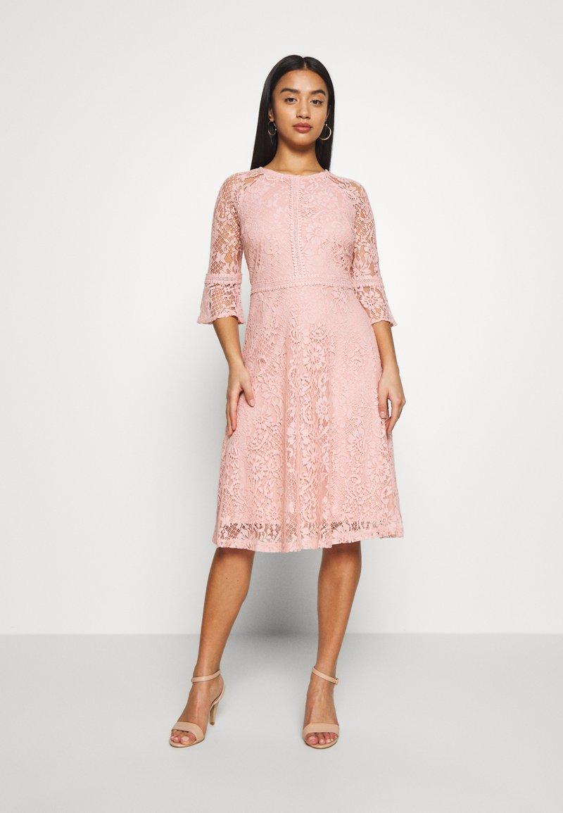 Dorothy Perkins Petite - BLUSH 3/4 SLEEVE TILLY DRESS - Juhlamekko - pink