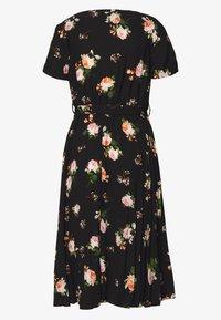 Dorothy Perkins Petite - FLORAL SLEEVE DRESS - Denní šaty - black - 1