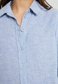 Dorothy Perkins Petite - CHAMBRAY  - Koszula - blue - 4