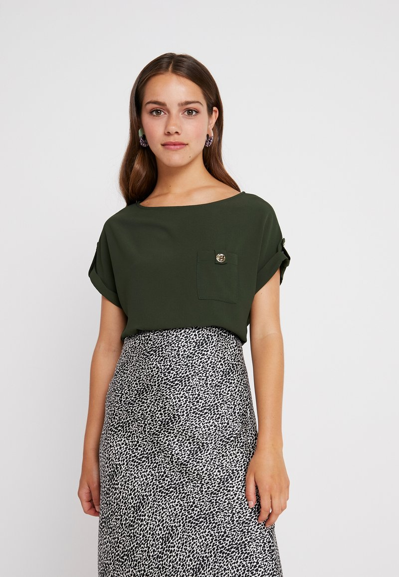 Dorothy Perkins Petite - BUTTON POCKET TEE - Bluse - green