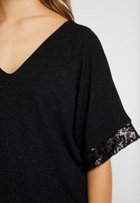 Dorothy Perkins Petite - GLITTER SEQUIN TRM BATWING - T-shirts med print - black - 4
