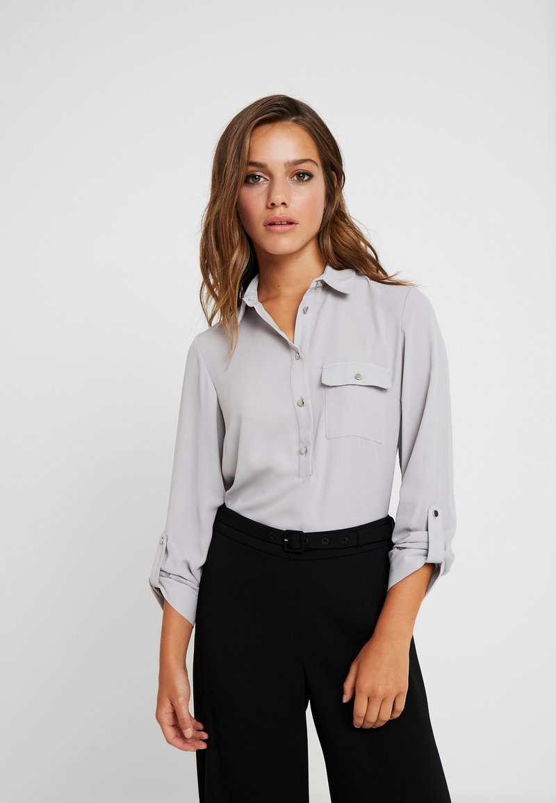 Dorothy Perkins Petite - ROLL - Blouse - silver