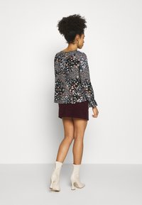 Dorothy Perkins Petite - BILLIE DITSY FLORAL LONG SLEEVE TIERED - Bluser - black - 2