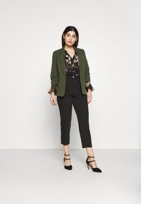 Dorothy Perkins Petite - EDGE TO EDGE ROUCHED SLEEVE JACKET - Blazer - green - 1