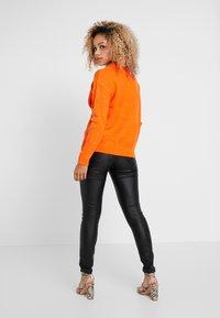 Dorothy Perkins Petite - MID GAUGE ROUND NECK JUMPER - Jersey de punto - orange - 2