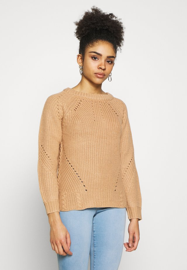 LATTE STITCH INTEREST JUMPER - Stickad tröja - latte