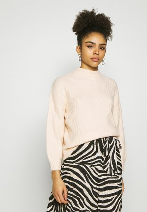 DIAGNONAL DETAIL HIGH NECK JUMPER - Trui - ecru