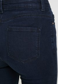 Dorothy Perkins Petite - SHAPE AND LIFT RICH - Jeans Skinny Fit - dark wash - 3