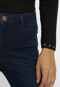Dorothy Perkins Petite - SHAPE AND LIFT RICH - Jeans Skinny Fit - dark wash - 5