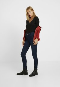 Dorothy Perkins Petite - SHAPE AND LIFT RICH - Jeans Skinny Fit - dark wash - 1