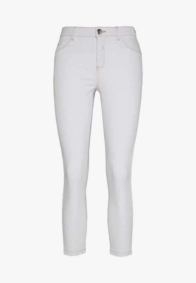 STITCH DARCY  - Jeans Skinny Fit - white