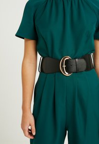 Dorothy Perkins Petite - BELTED JUMPSUIT - Kombinezon - forest green - 5