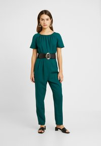 Dorothy Perkins Petite - BELTED JUMPSUIT - Kombinezon - forest green - 1