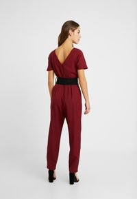 Dorothy Perkins Petite - BELTED - Overal - berry - 2