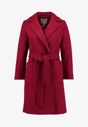 PATCH POCKET WRAP BLOOD - Zimní kabát - red