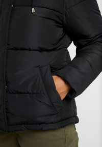Dorothy Perkins Petite - SHORT HOODED PADDED JACKET - Lehká bunda - black - 5