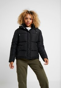 Dorothy Perkins Petite - SHORT HOODED PADDED JACKET - Lehká bunda - black - 0