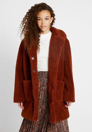 LONGLINE COAT - Winter coat - rust