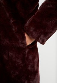 Dorothy Perkins Petite - LONG LINE PELTED - Winter coat - berry red - 5