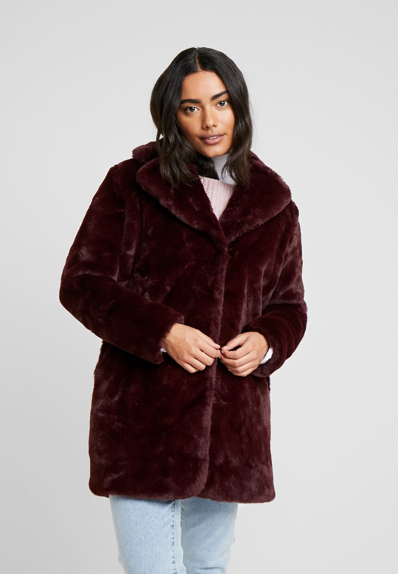 Dorothy Perkins Petite - LONG LINE PELTED - Winter coat - berry red