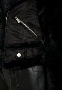 Dorothy Perkins Petite - SHEARLING - Vinterjakke - black - 5
