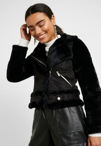 Dorothy Perkins Petite - SHEARLING - Vinterjakke - black - 3