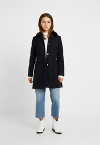 Dorothy Perkins Petite - DOLLY COAT   - Kåpe / frakk - navy - 1