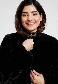Dorothy Perkins Petite - SHORT CARVED - Winter jacket - black - 3