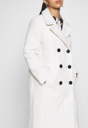 CREAM BOUCLE COAT - Abrigo - cream