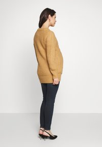 Dorothy Perkins Maternity - CABLE - Jersey de punto - camel - 2