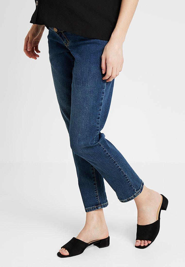 Dorothy Perkins Maternity - OVER BUMP BOYFRIEND - Jeans baggy - midwash