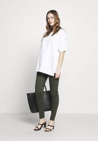 Dorothy Perkins Maternity - MATERNITY OVERBUMP EDEN JEGGING - Jeans Skinny Fit - khaki - 1