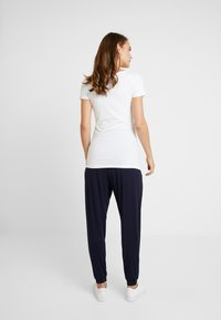 Dorothy Perkins Maternity - OVERBUMP - Pantalon de survêtement - navy - 2