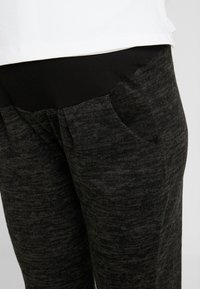 Dorothy Perkins Maternity - BRUSHED JOGGER PLAIN - Joggebukse - charcoal - 4