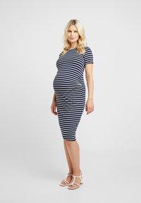 Dorothy Perkins Maternity - STRIPE SLEEVE SLEEVE BODYCON DRESS - Vestido ligero - navy - 0