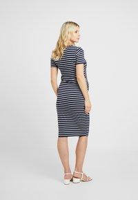 Dorothy Perkins Maternity - STRIPE SLEEVE SLEEVE BODYCON DRESS - Vestido ligero - navy - 2