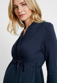Dorothy Perkins Maternity - NURSING RUCHED WRAP DRESS - Jerseyklänning - navy - 4