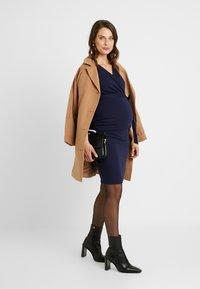 Dorothy Perkins Maternity - RUCH WRAP NURSING DRESS - Vestido ligero - navy - 1