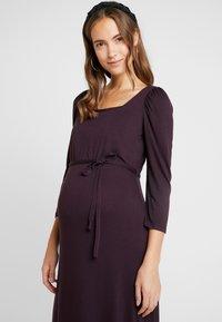 Dorothy Perkins Maternity - BERRY MOLLY DRESS - Žerzejové šaty - purple - 4