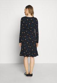 Dorothy Perkins Maternity - MATERNITY NECK TIERED COLOURED SPOT PRINT DRESS - Vestido ligero - black - 2