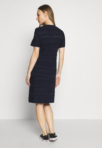 Dorothy Perkins Maternity - MATERNITY PONTELLE FIT AND FLARE DRESS - Strikkjoler - navy - 2