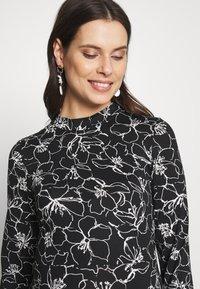 Dorothy Perkins Maternity - SKETCH FLORAL DRESS - Jerseykjoler - black - 3