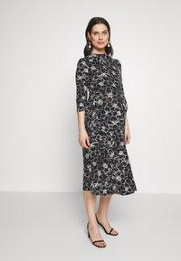 Dorothy Perkins Maternity - SKETCH FLORAL DRESS - Jerseykjoler - black - 0