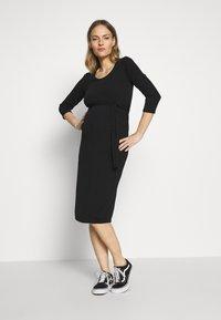 Dorothy Perkins Maternity - MATERNITY BODYCON BELTED DRESS - Žerzejové šaty - black - 1