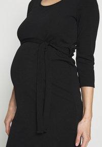 Dorothy Perkins Maternity - MATERNITY BODYCON BELTED DRESS - Žerzejové šaty - black - 5