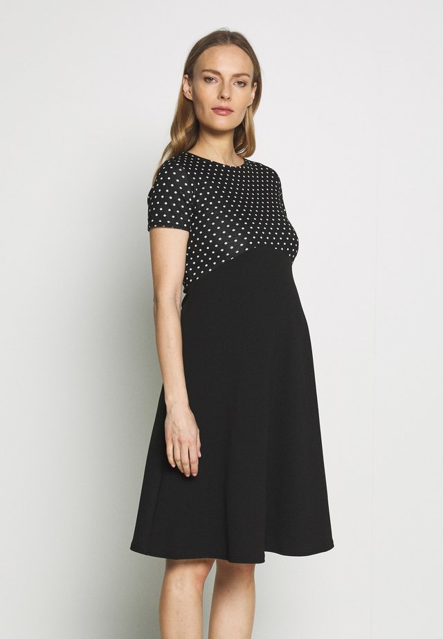 MATERNITY SPOT DRESS - Jerseykjoler - black