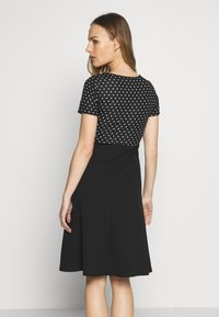 Dorothy Perkins Maternity - MATERNITY SPOT DRESS - Vestido ligero - black - 2
