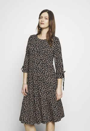 DAISY PRINT TIE SLEEVE FIT AND FLARE DRESS - Žerzejové šaty - black