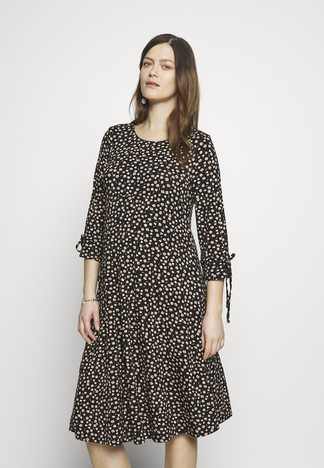 DAISY PRINT TIE SLEEVE FIT AND FLARE DRESS - Jerseykjoler - black